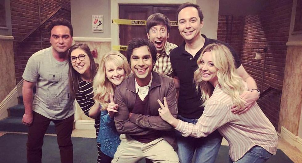 "'Raj' sorprende al mostrar el guion del último capítulo de ""The Big Bang Theory"". (Foto: @bigbangtheory_cbs)"