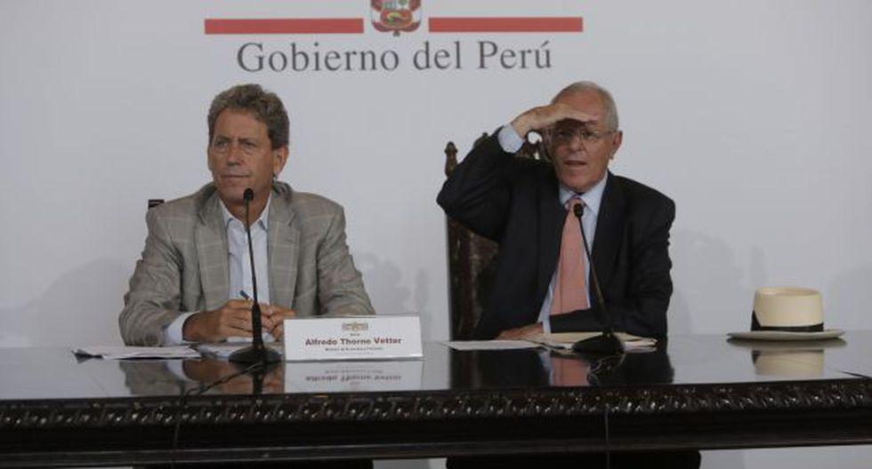 Afronta. PPK y sus ministros se despliegan diariamente por las zonas afectadas del país. (Piko Tamashiro/Perú21)