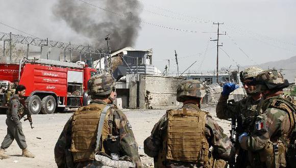 La mayoría pereció por estallido de bombas al costado de carreteras. (AP)