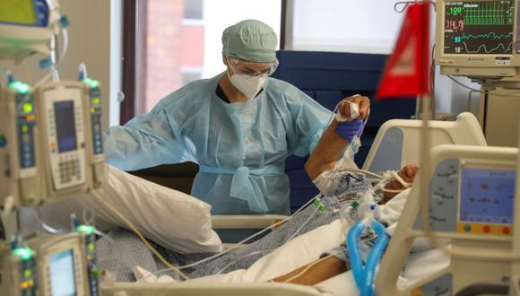 Estados Unidos: hombre lucha contra coronavirus tras contagiarse por su hijo. (Foto: Reuters / Lucy Nicholson).