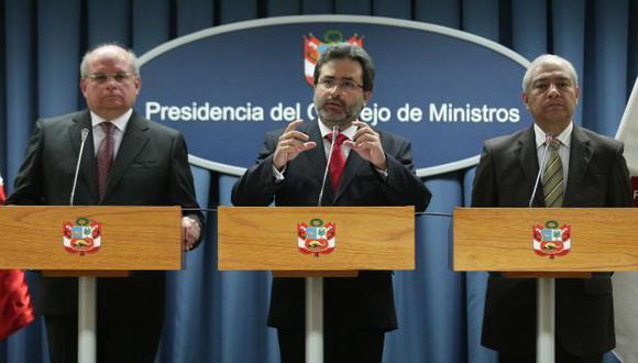 DAN LA CARA. Ministros aclararon que los aumentos se encuentran debidamente presupuestados. (Alberto Orbegoso)