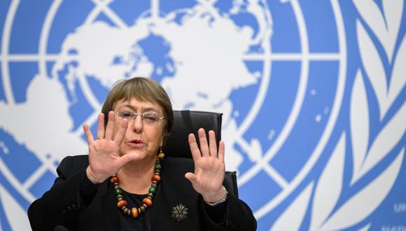 Michelle Bachelet hizo un llamamiento a los actores políticos y sociales para que mantengan la calma y no permitan que la disputa electoral derive en enfrentamientos. (Foto: Fabrice COFFRINI / AFP)