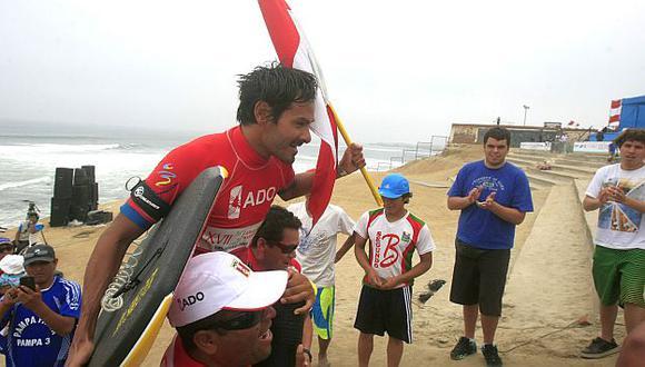 César Bauer se coronó campeón de la modalidad Drop Knee, Juegos Bolivarianos 2013. (Andina)