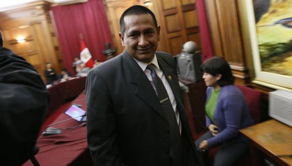 NO LO MUEVEN. Sus colegas oficialistas esperan enfriar el caso. (Luis Gonzales)