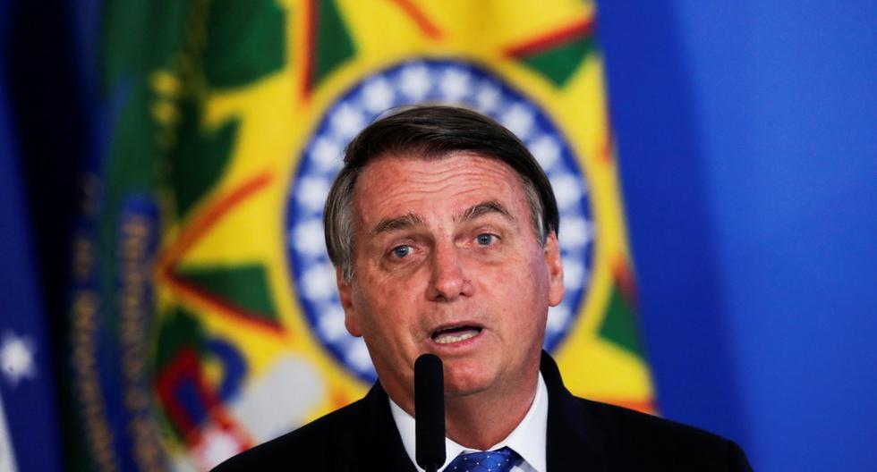 """Bolsonaro afirma que vacuna contra el coronavirus """"no será obligatoria"""" en Brasil"""
