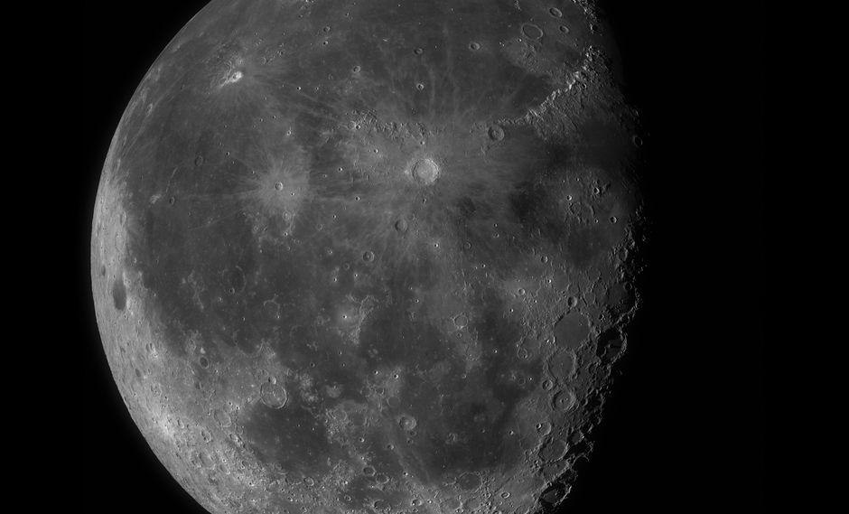 Sumérgete en los cráteres de la Luna en esta sorprendente foto de 100 megapíxeles. (Difusión)