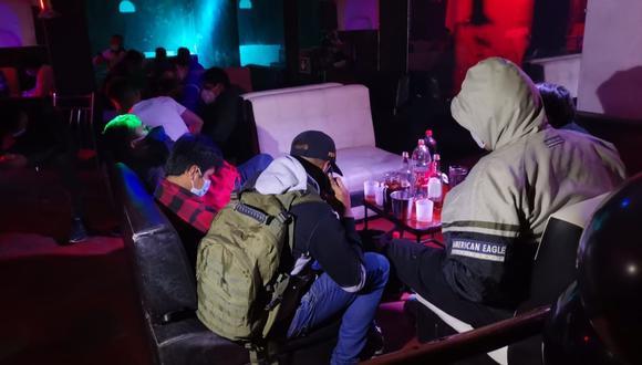 La intervención se realizó en un clandestino bar durante el horario de toque de queda (Foto: Archivo GEC)