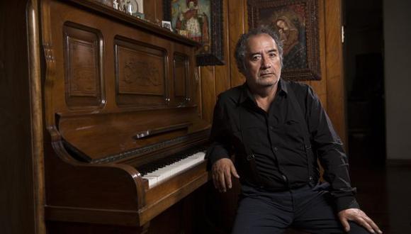 Armando Becerra Flores es afinador de piano, multiinstrumentista y compositor. (Foto de José Rojas).
