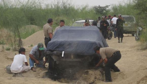 CALCINADO. Vehículo fue arrebatado a los efectivos policiales y, luego, completamente quemado. (Nadia Quinteros)