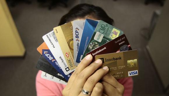 Nunca pierda de vista su tarjeta porque podría perder mucho dinero. (Perú21)
