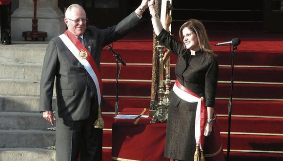 """Rumores. Mercedes Aráoz aseguró que con el presidente y Martín Vizcarra forman un """"equipo de trabajo"""". """"La chamba sigue"""", afirmó. (CésarCampos/Perú21)"""
