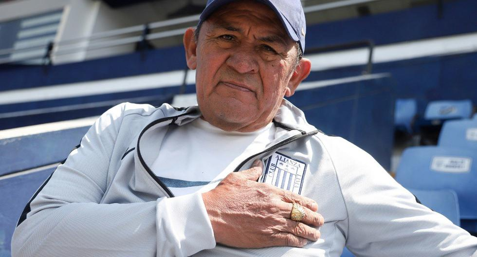 Cholo Sotil tuvo un merecido homenaje en Alianza Lima. (Club Alianza Lima)