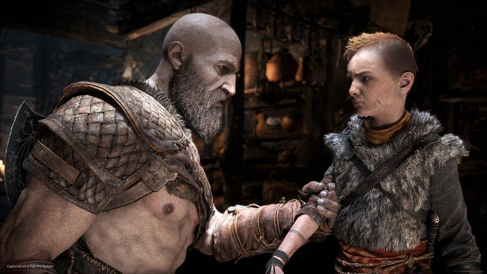 Kratos mantendrá una estrecha relación con Atreus, su hijo.