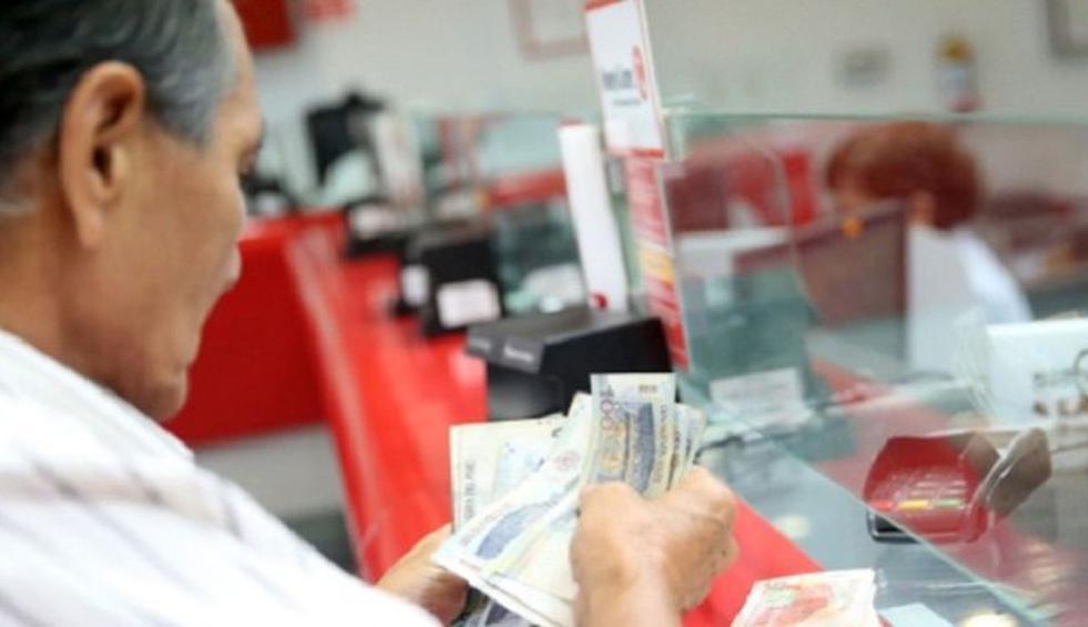Jamás entregue sus tarjetas del banco y menos dé sus claves. (Foto: Andina)