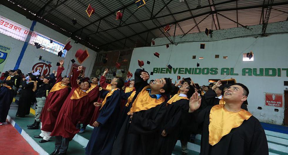 Más de 90 internos de penales de Lima y Callao se graduaron de estudios escolares. (Minjus)