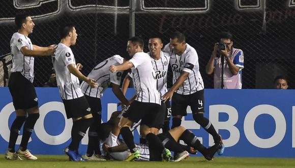 Universidad Católica vs. Libertad chocarán por la Copa Libertadores. (Foto: AFP)