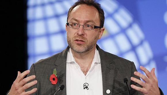 Wales, fundador de Wikipedia, propuso bloquear contenido de su plataforma en señal de protesta. (Reuters)