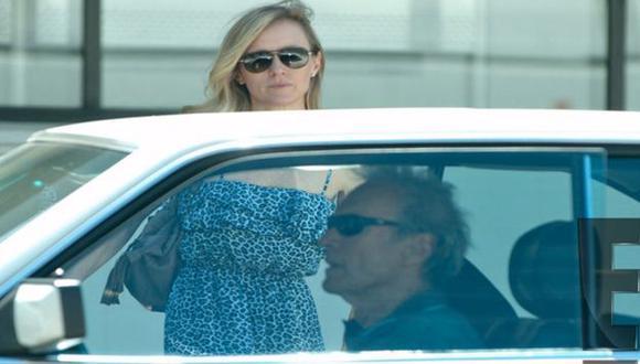 Clint Eastwood y Erica Tomlinson-Fisher. (Difusión)