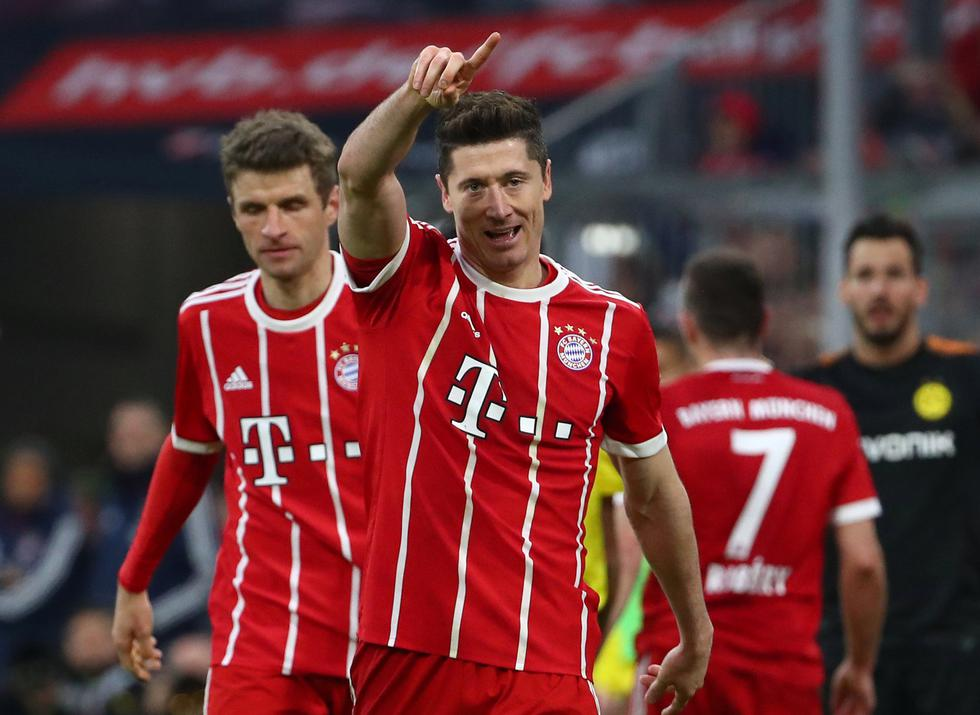 Bayern Munich lidera la clasificación con 69 unidades, seguido por Schalke 04 (52), Dortmund (48'). (REUTERS)