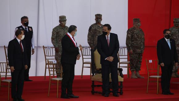 El presidente Martín Vizcarra y el titular del Congreso, Manuel Merino, participaron de ceremonia por el Día de las Fuerzas Armadas. (Fotos: Britanie Arroyo / @photo.gec)