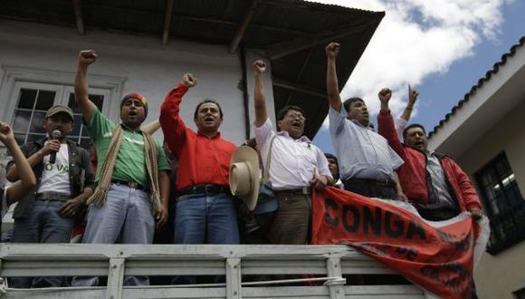 OÍDOS SORDOS. Santos y compañía exigieron el cierre de Conga. (Rafael Cornejo)