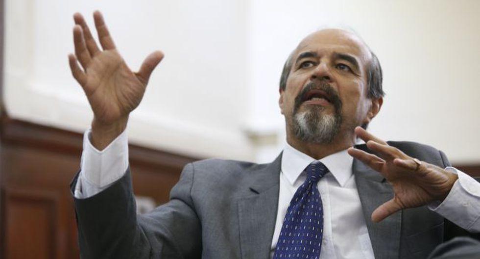Congresista Mulder (Mario Zapata)