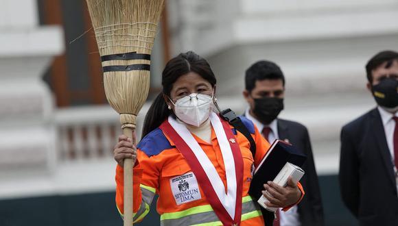 Isabel Cortez, congresista electa de Juntos por el Perú, tras jurar al cargo. (Foto: Anthony Niño de Guzmán / @photo.gec)
