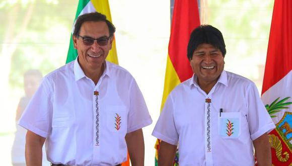 Martín Vizcarra y Evo Morales participaron en la reunión bilateral entre ambos países. (AFP)