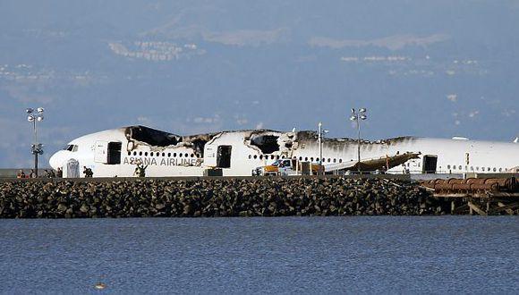 Las investigaciones por el choque del avión de Asiana Airlines podrían durar meses. (EFE)