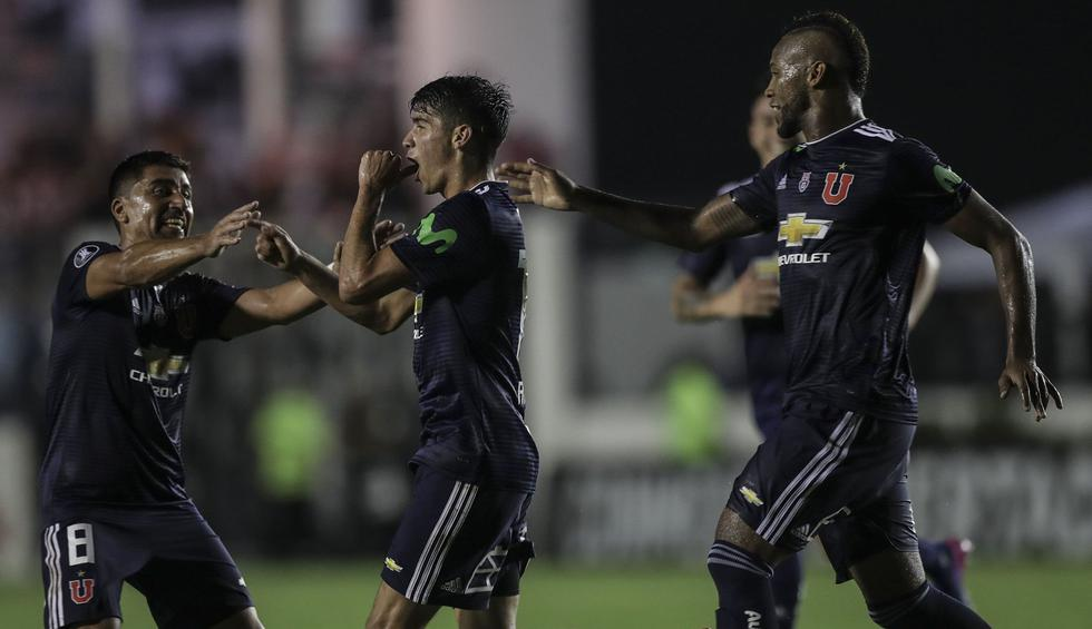 U. de Chile recibe a Cruzeiro en Santiago por la Copa Libertadores. (AFP)