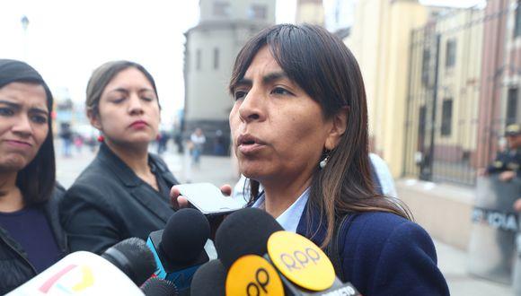 """""""Dejemos de lado los chats, son opiniones políticas ajenas a este debate"""", señaló Giulliana Loza. (FOTO: USI)"""