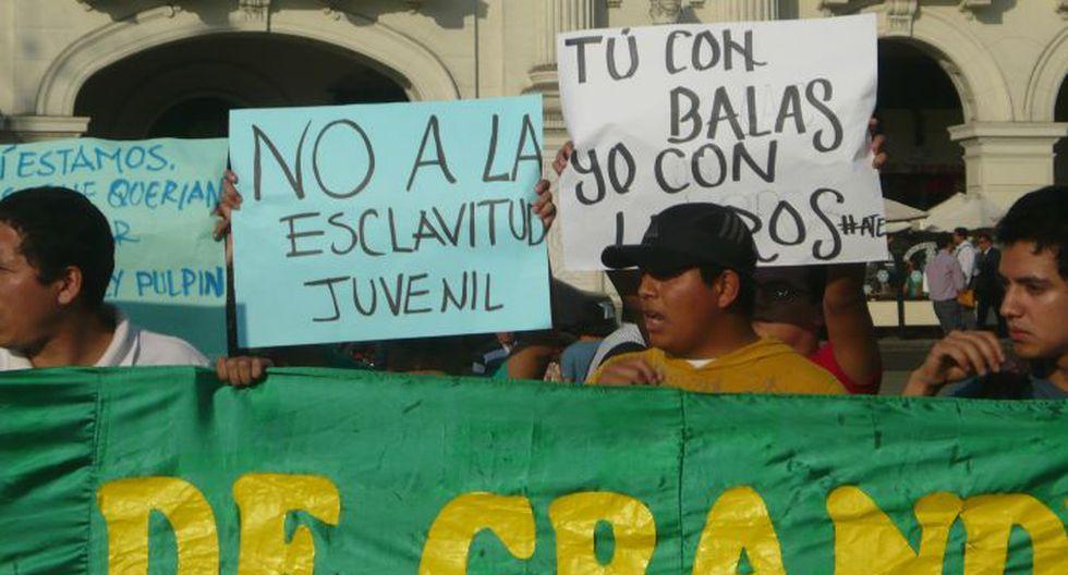 Jóvenes exigen la derogatoria de la controversial ley. (Chinn De La Cruz/Perú21)