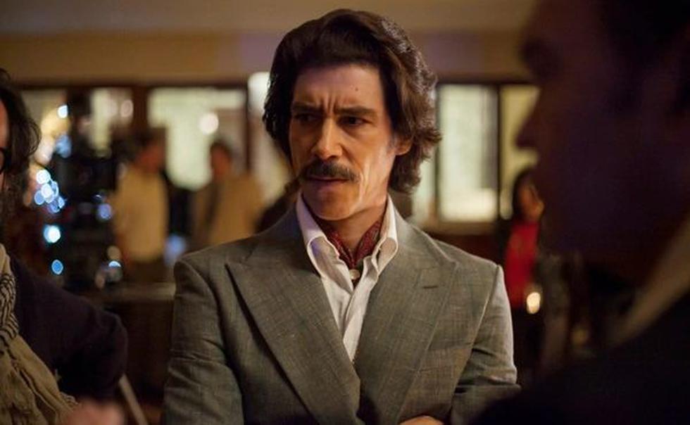 El actor Óscar Jaenada le dio vida a 'Luisito Rey', padre de Luis Miguel en la serie de su vida. (Foto: Captura de imagen)