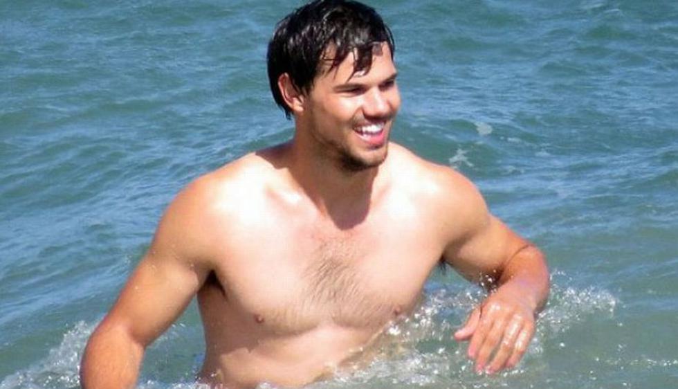 Taylor Lautner pasó unos días de descanso en una playa de Los Ángeles (EEUU). (Pacific Croast News)
