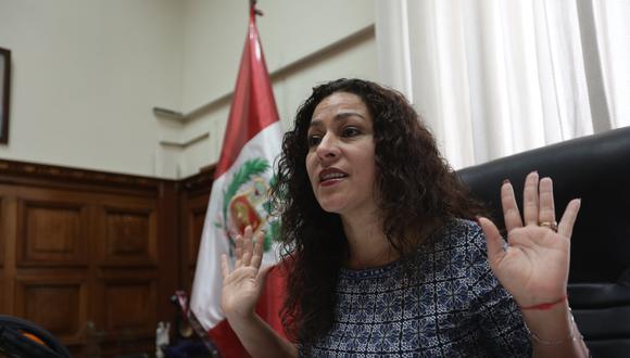 Cecilia Chacón (Anthony Niño de Guzmán)