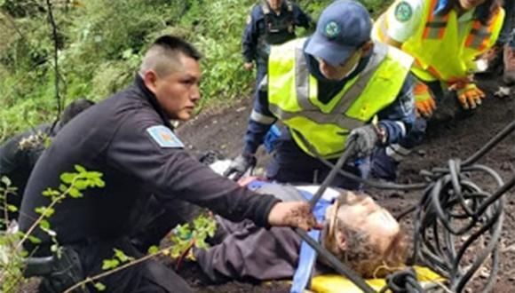 El hombre fue fue inmovilizado pues habría sufrido una lesión medular. Fue trasladado en helicóptero al hospital más cercano.| Foto: Secretaría de Seguridad Ciudadana de Ciudad de México (SSC)