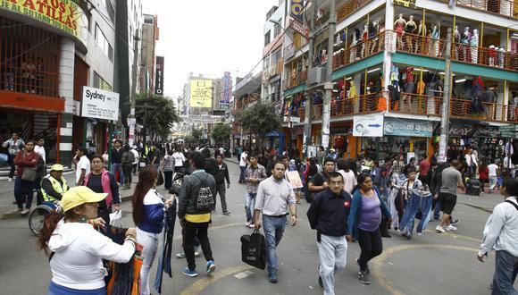 Unas 162 personas que laboraban informalmente en Gamarra ya trabajan en puestos dela galería Guizado Hermanos, señaló la Municipalidad de La Victoria. (Foto: Andina)
