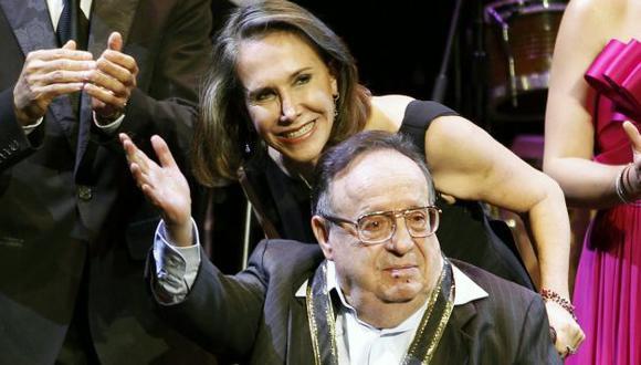 Roberto Gómez Bolaños dejó su herencia a Florinda meza y los 6 hijos del comediante. (AP)