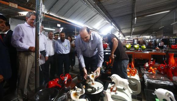 Impulso. Premier visitó el Parque Industrial de Villa El Salvador y expuso las nuevas medidas. (Luis Centurión)