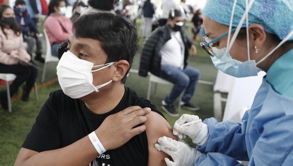 En Perú se aplican dos dosis para completar vacunación contra el COVID-19.(Foto: @photo.gec)
