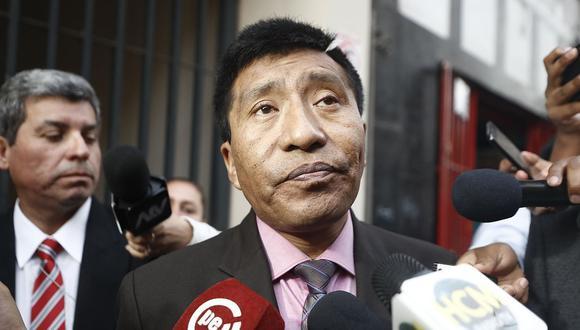 El congresista de Fuerza Popular Moisés Mamani ha negado haber tocado indebidamente a la aeromoza. (Foto: GEC)