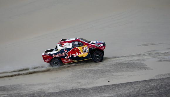 En la clasificación general, sin embargo, Al-Attiyah se ubica tercero, después de los franceses de Peugeot Peterhansel y Cyril Despres. (EFE)