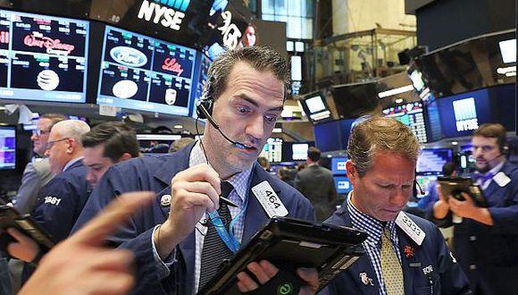 Hoy lagran mayoría de sectores presentaban ganancias en Wall Street. (Foto: AFP)