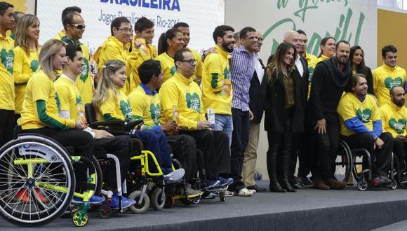 Deportistas paralimpicos de Brasil en la presentación oficial de la delegación en el Centro Paralímpico Brasileño de Sao Paulo. (EFE)