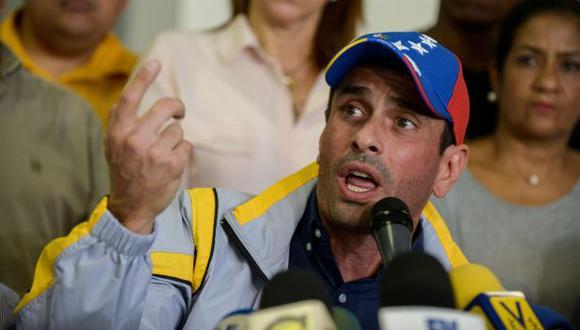 Oposición asegura que, pese a suspensiones, sus diputados jurarán al cargo. (AFP)