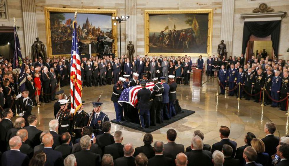 Comienzan los actos en homenaje al fallecido George H.W. Bush en el Capitolio de EE.UU. | Foto: EFE