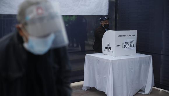 La OEA también contó con 246 relevadores de información, ellos recolectaron información de los actos materia de observación durante la jornada electoral.  (FOTOS: Jorge Cerdan/@photo.gec)
