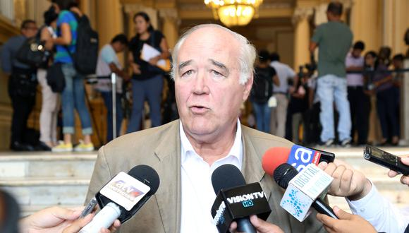 """Víctor Andrés García Belaunde consideró que la situación política """"ha empeorado"""". (Foto: Congreso)"""