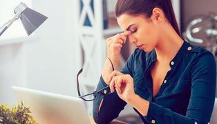 Aumentan casos de fatiga visual por el trabajo remoto