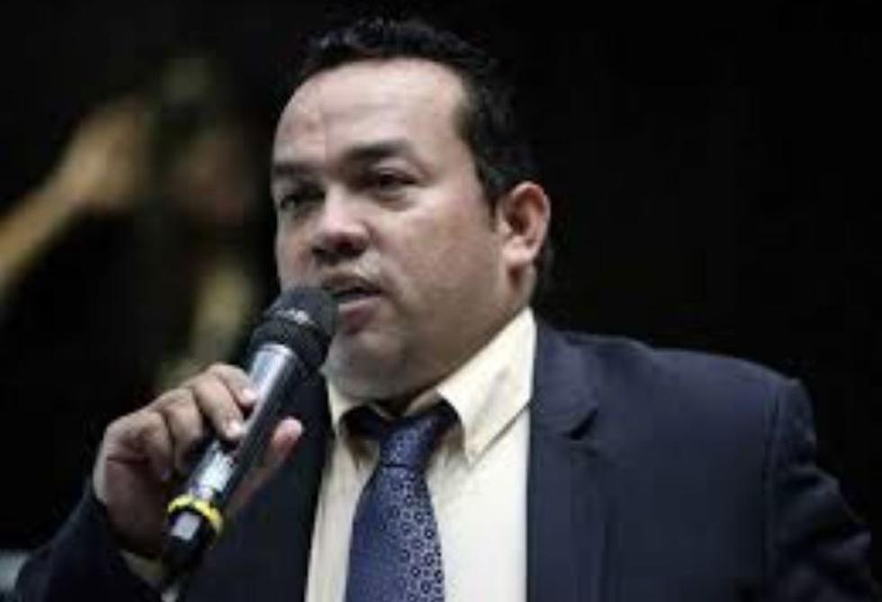 Feminicidio en Venezuela: Hombre apuñala a su expareja y la arrolla con su auto tres veces hasta matarla. (Facebook)